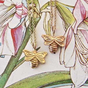 BEE NECKLACE - DAINTY GOLD