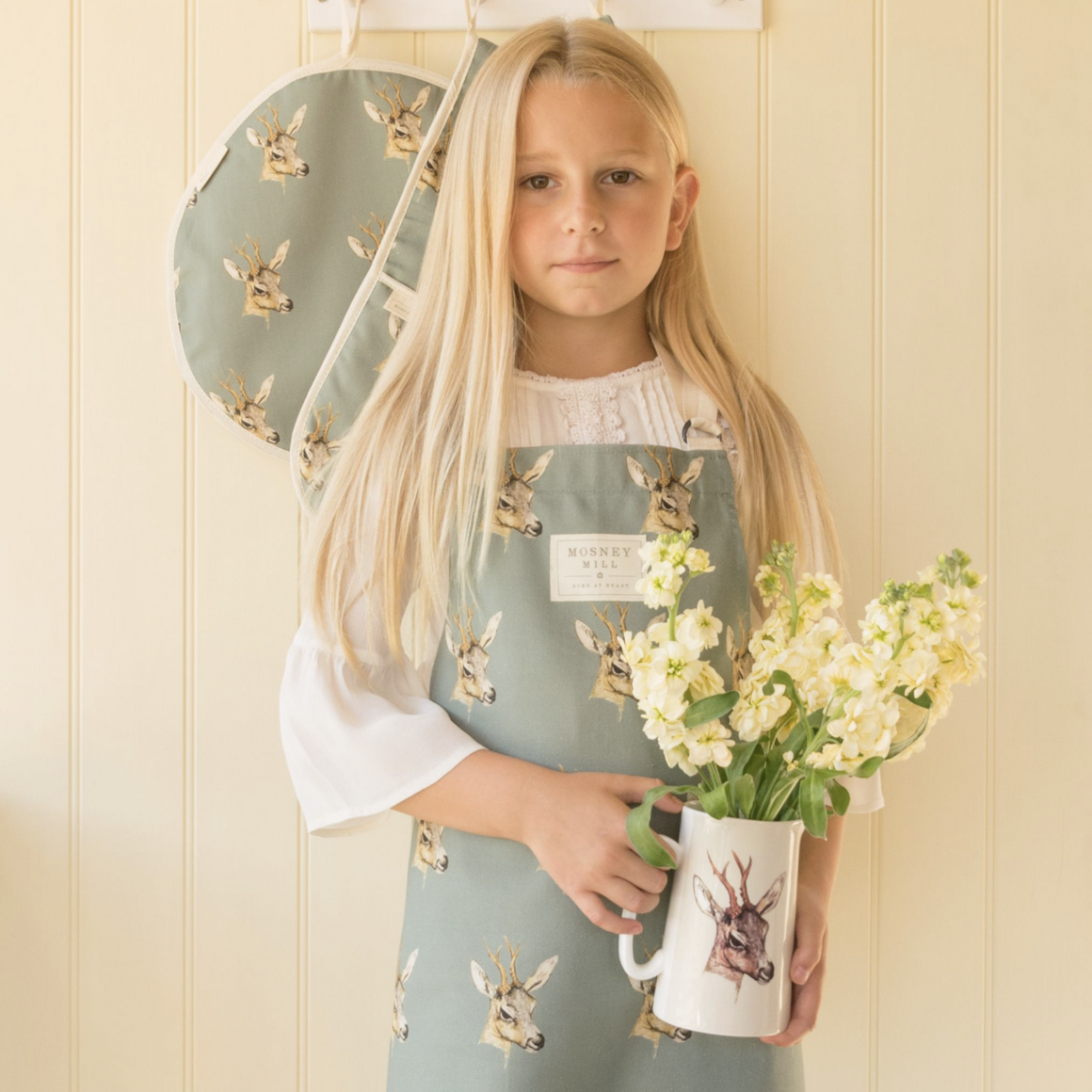 DEER CHILDS APRON