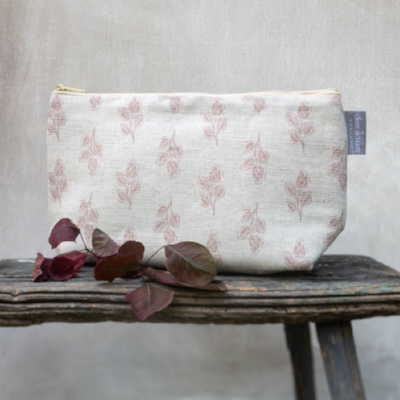 PINK FLORA MEDIUM WASHBAG