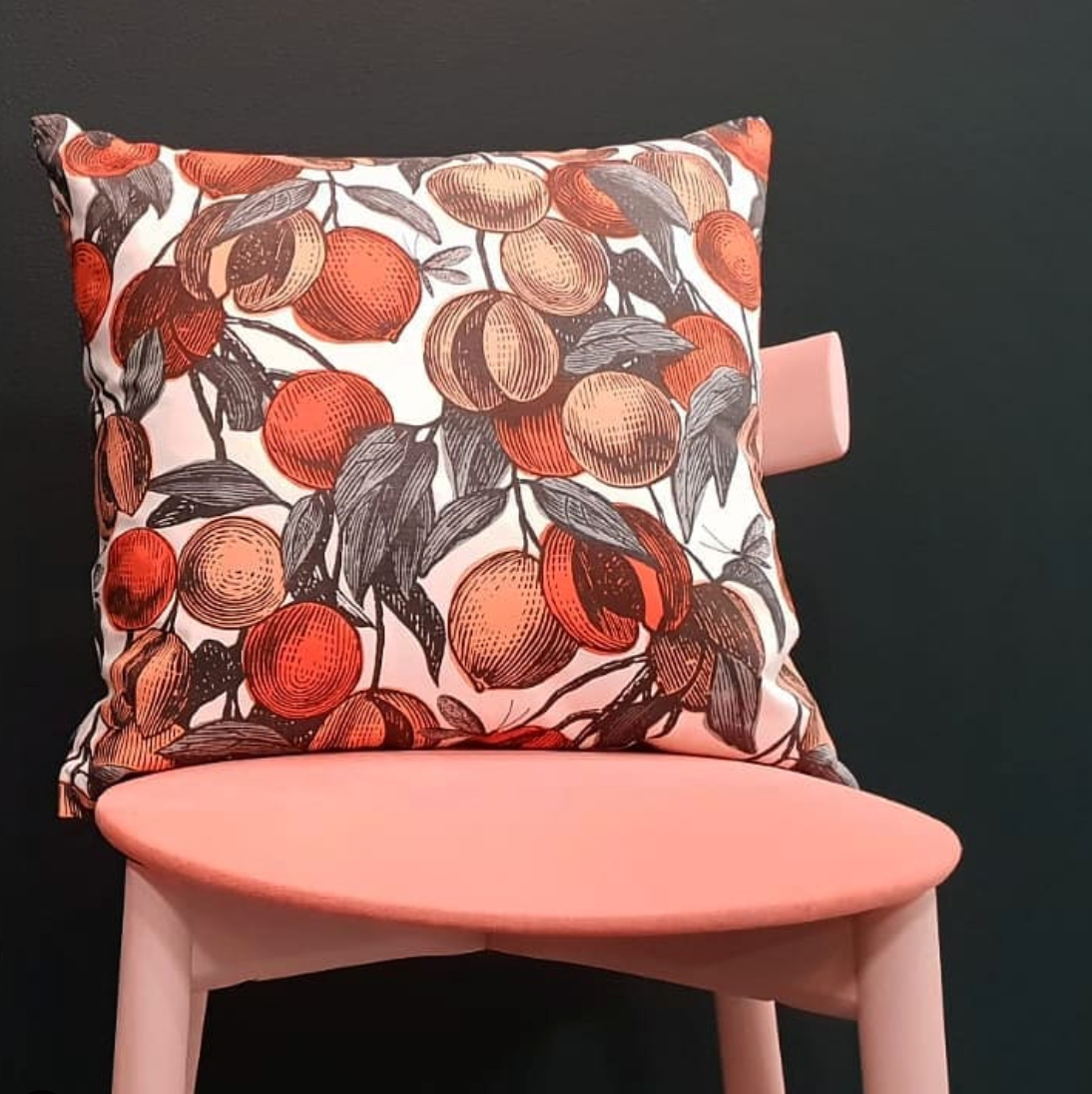 CORAL FRUITS CUSHION