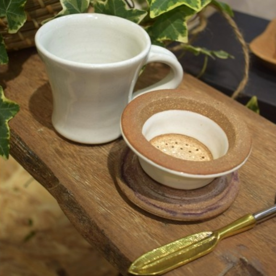 CHAI CUP & STRAINER SET - MILK WHITE