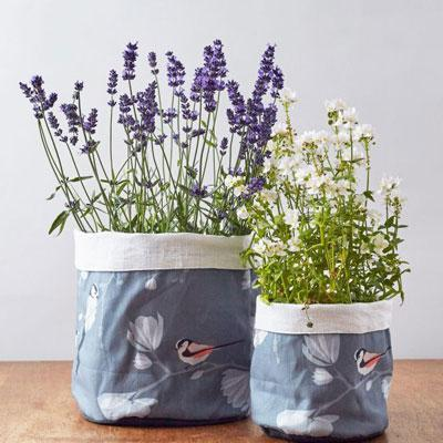 LONG TAILED TIT PLANT POT