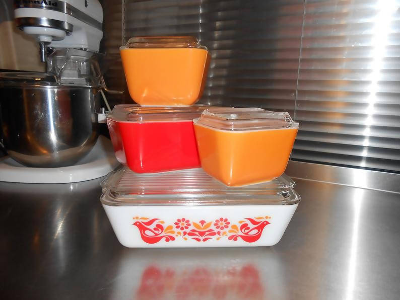 Pyrex Friendship Refrigerator Dishes