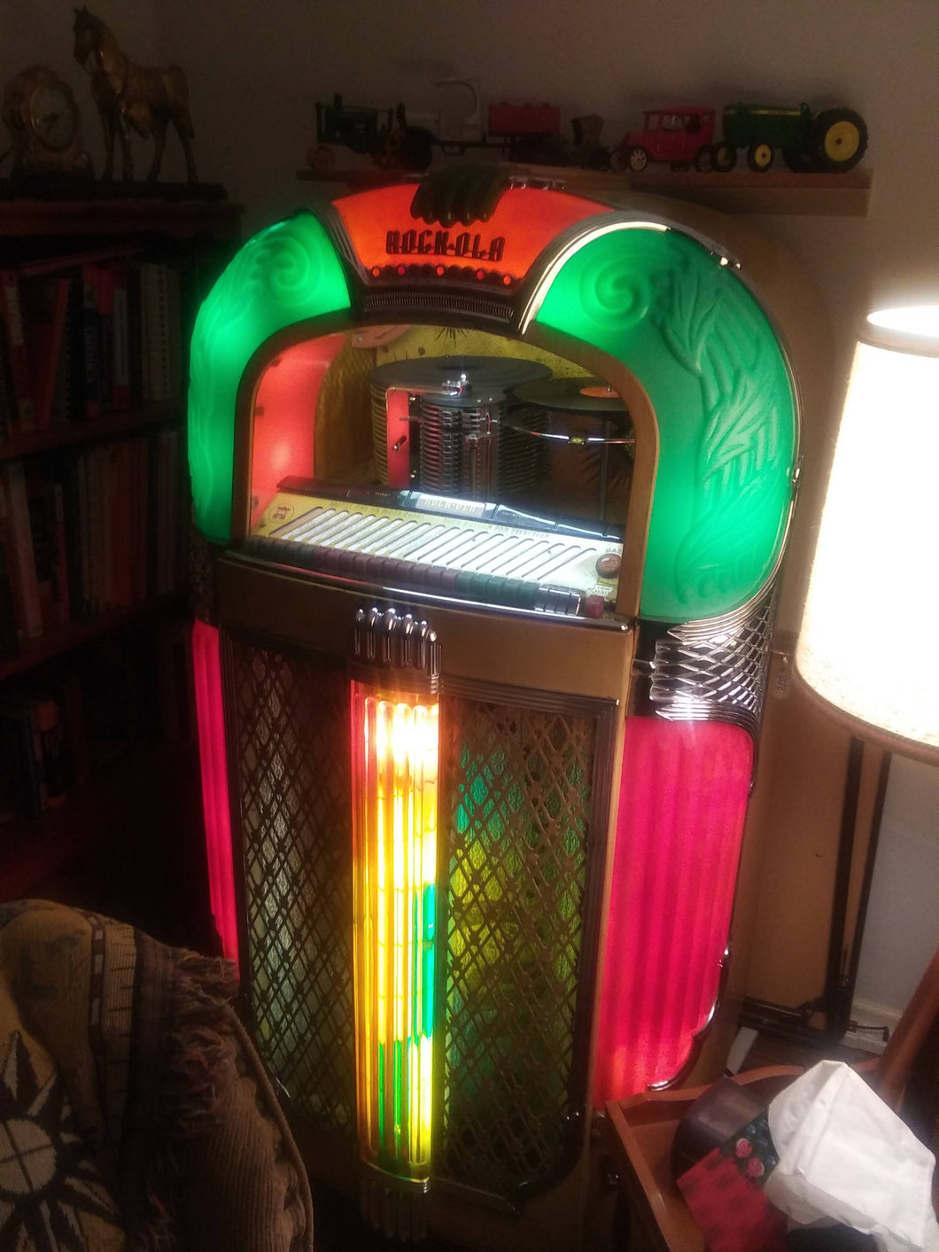1948 Vintage 1428 Rockola Jukebox