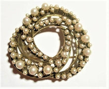 Pearl Brooch Florenza Signed Jewelry Vintage 1950s Infinity Circle Pin June Birthstone Costume Accessory