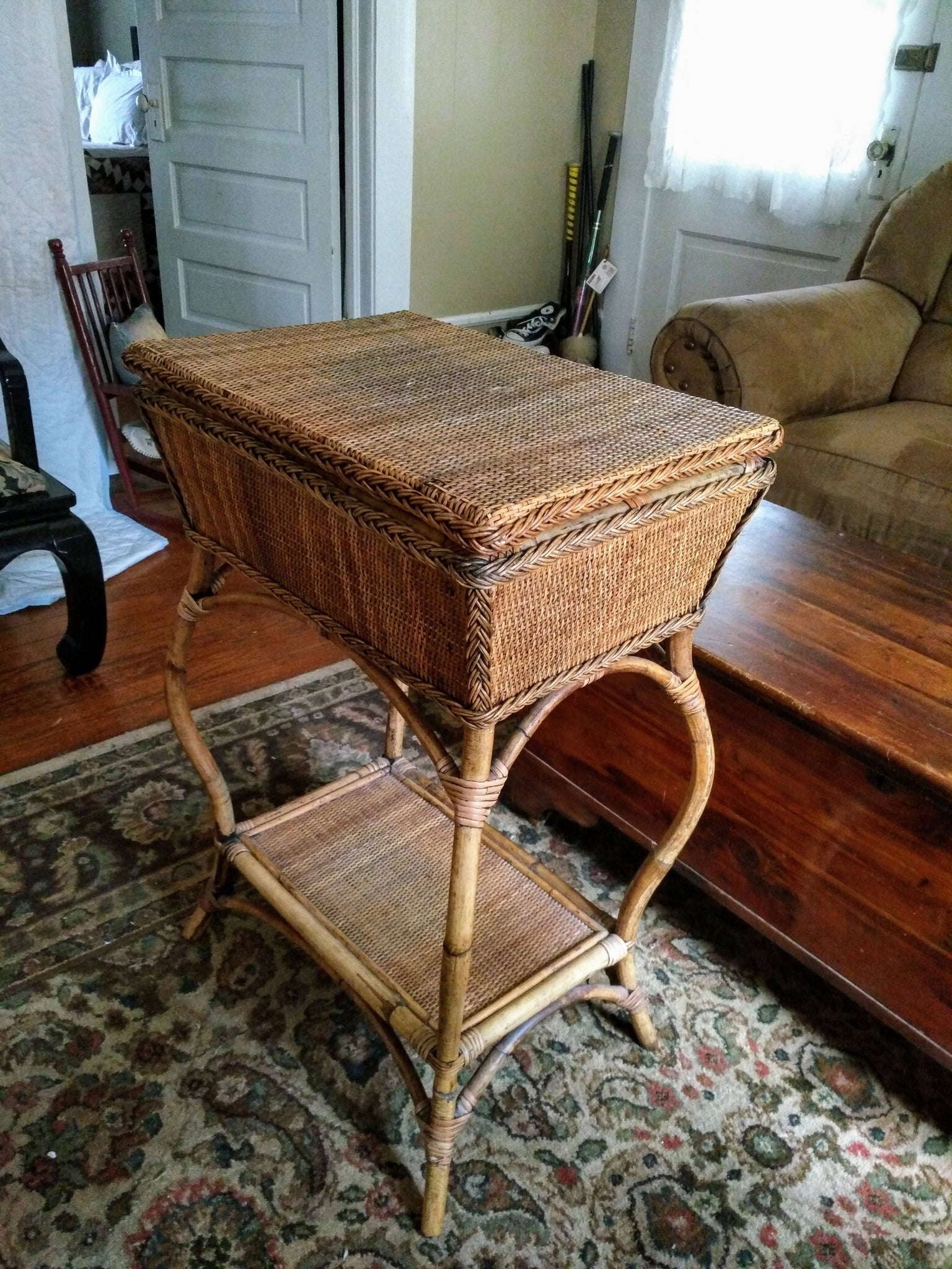 Vintage Bamboo And Rattan Side Table With Serving Tray Boho Chic Bar Antiquesmart Com