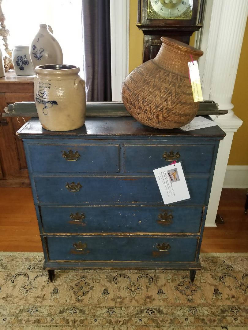 Exceptional rare 18th Century Quebec chest with 2 drawers