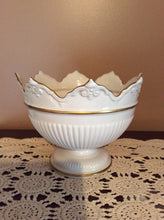 Pedestal Bowl Ivory with Gold Trim