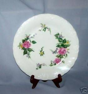 BeverlyRose by TableTops Unlimited...Dinner Plates