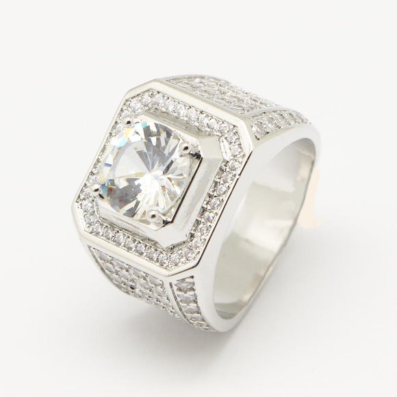 Diamond ring w/ large center stone - ShopVVS