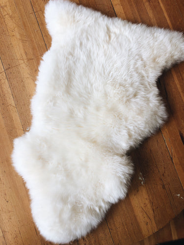 Short Haired Ivory Sheepskin