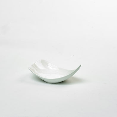 Classic White Porcelain Small Triangular Curved Salad Bowl
