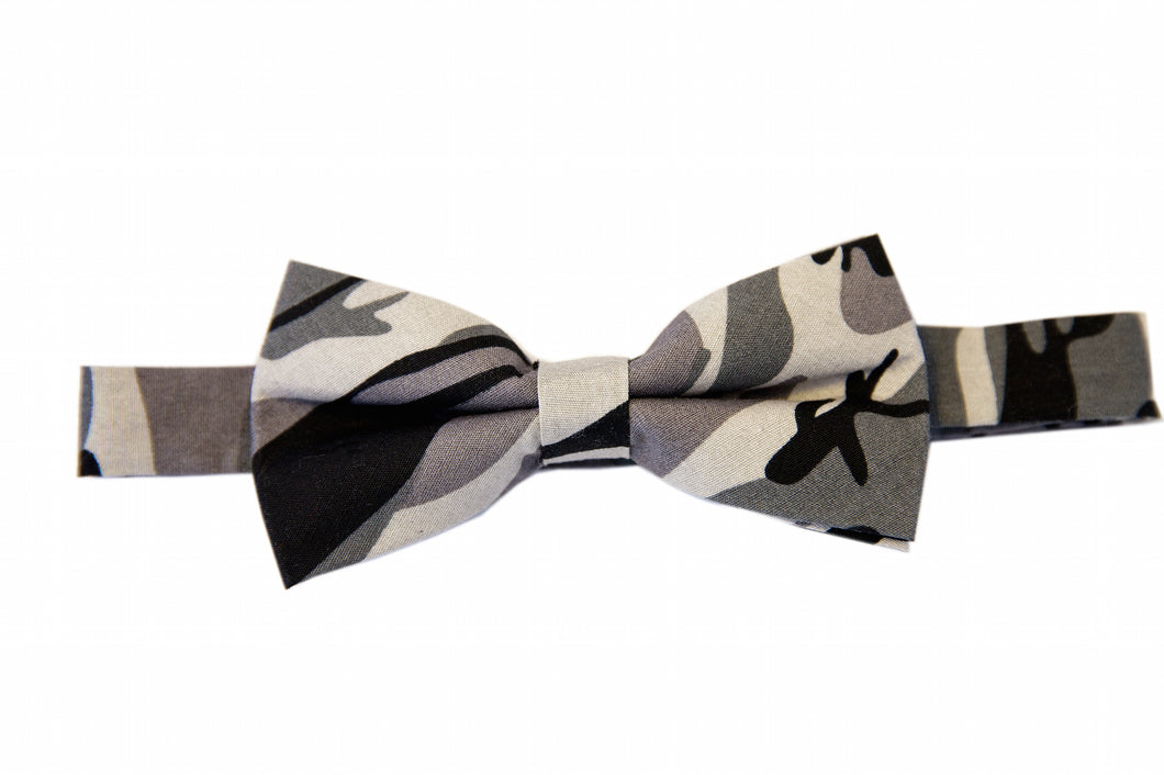 Camouflage bow ties, Black bow ties