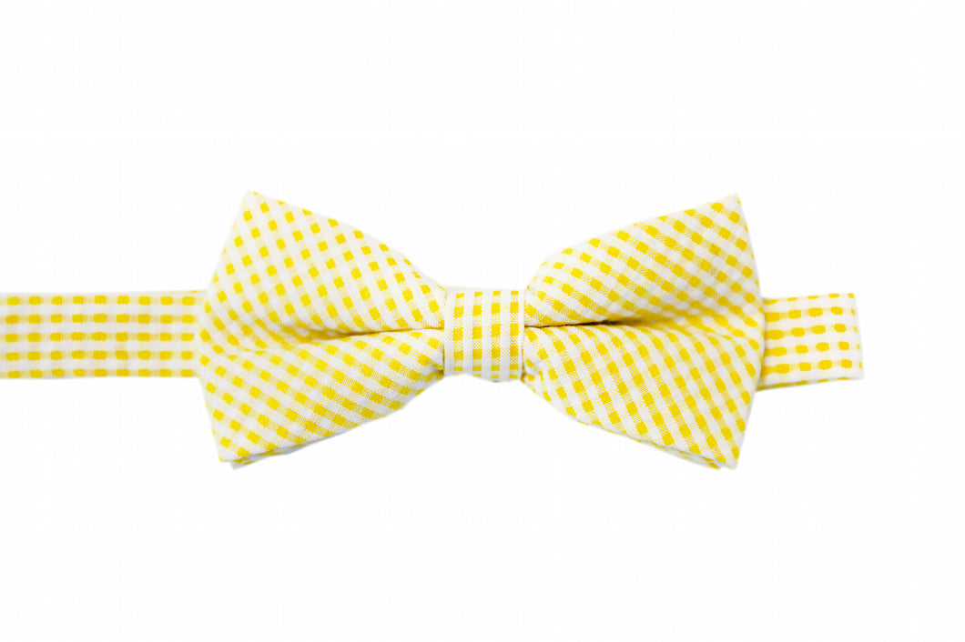 Yellow bow tie, checked bow tie