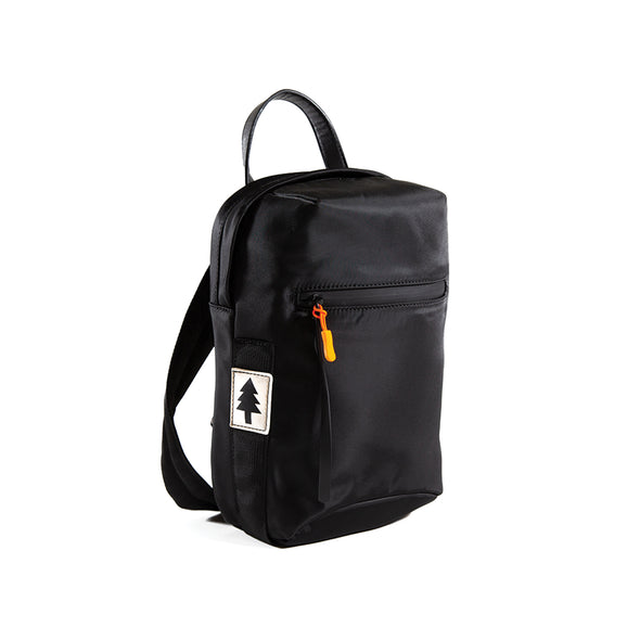 LumberUnion black bag -discovery daybag front