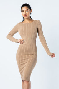 Stilla Dress