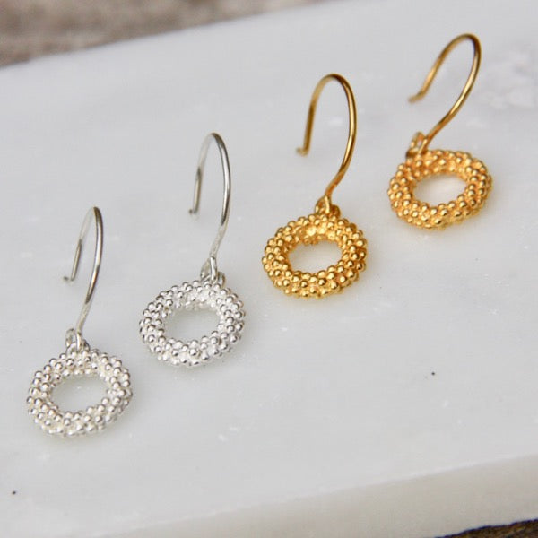 Darius Collection Small Unity Earrings on Wire