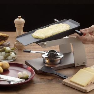 Raclette melter Racly with gel paste burner with food