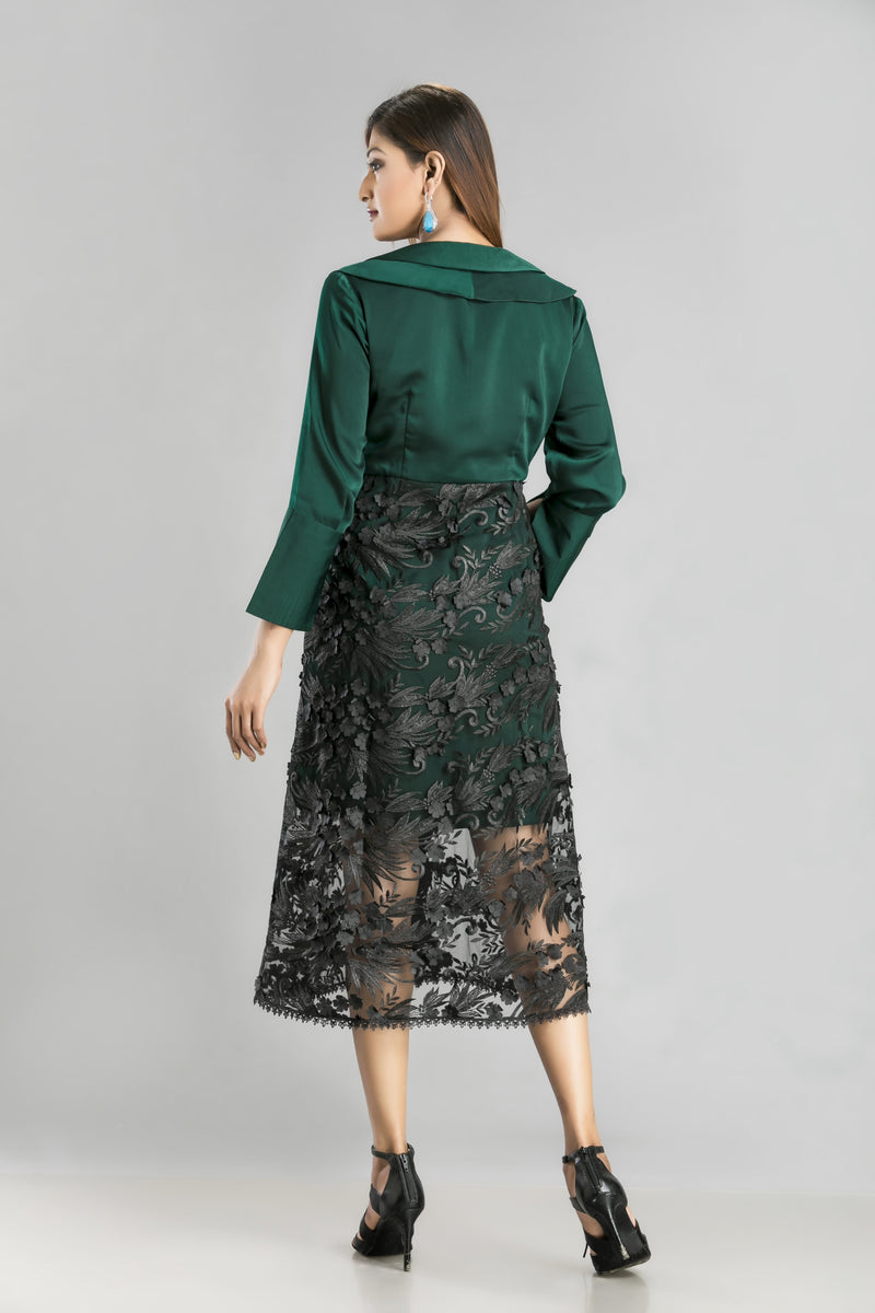In Love with Jade – A lace dress for a romantically different you