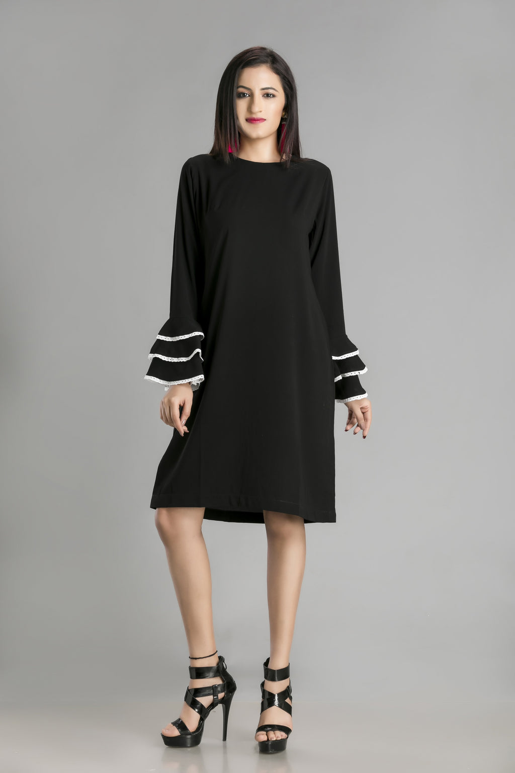 The Chic Ebony and Ivory Trim Dress