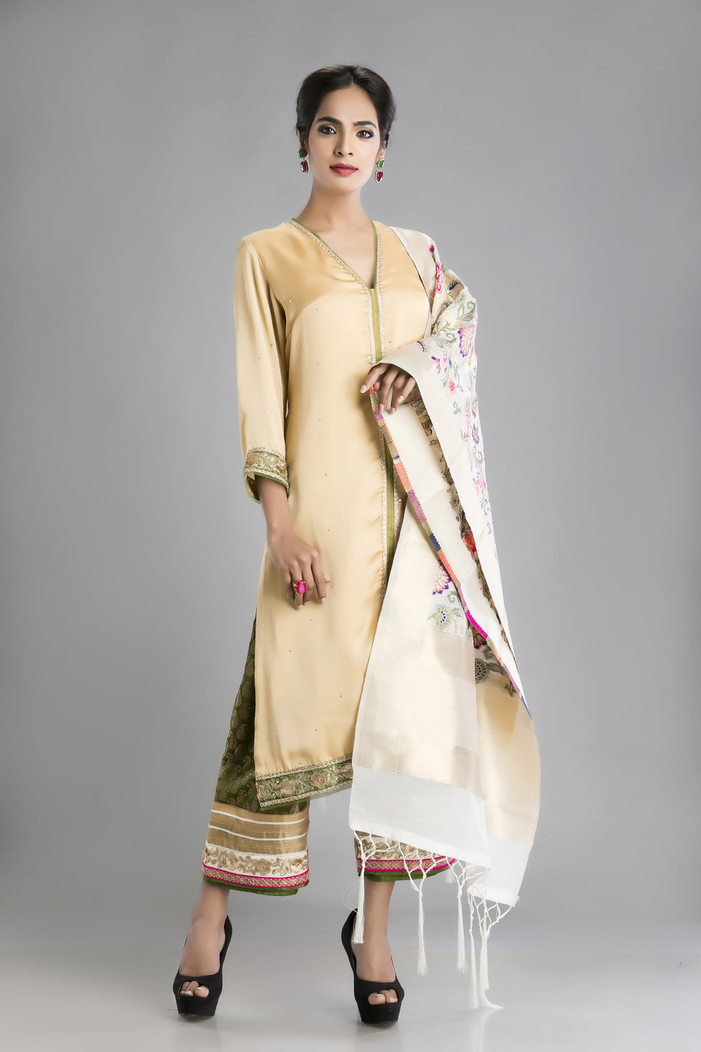 Sunehri-The Soft Sold Kurta and Palazzo with a Banaras drape
