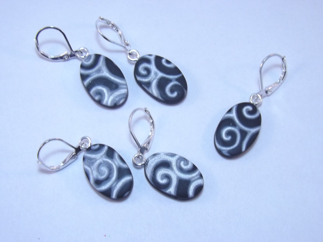 Black and White Swirl Stitch Marker Set