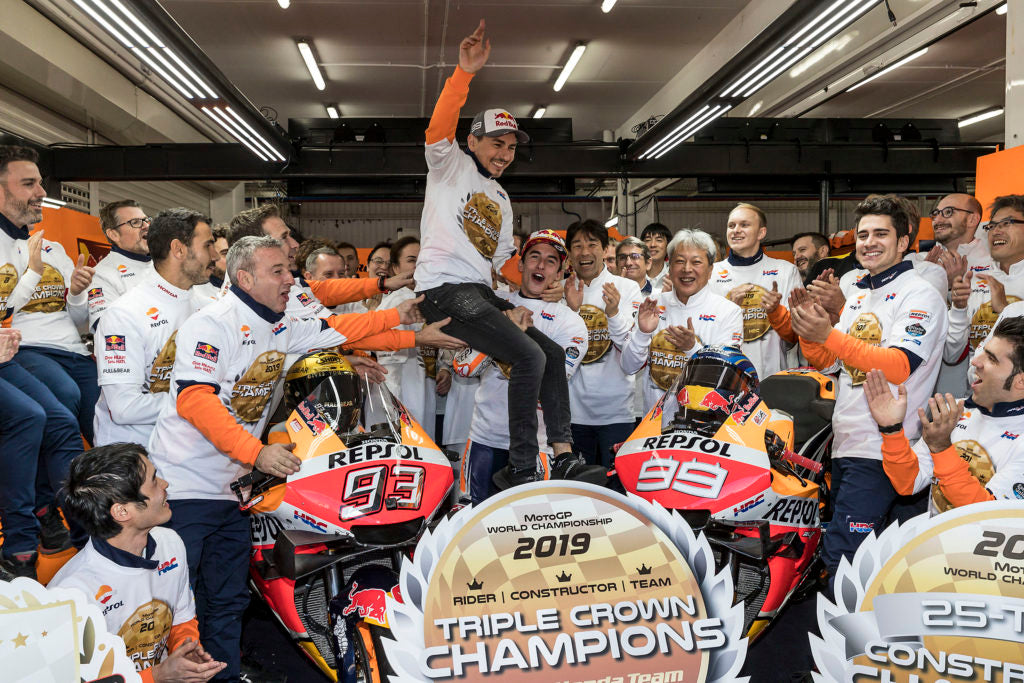 Win for Márquez and Triple Crown for Repsol Honda in Lorenzo's farewell GP
