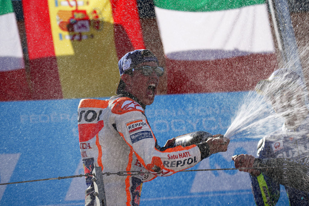 Márquez takes great victory at home