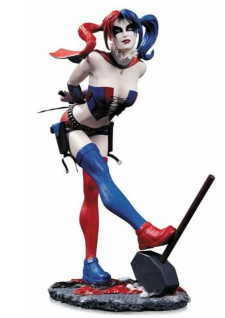 DC Collectibles DC Comics Cover Girls: Harley Quinn Statue (Second Edition) - MiscGoodies