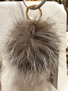 ESSENTIAL SILVER FOX POMPOM KEY RING