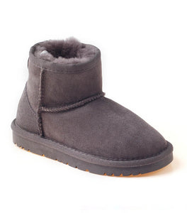 KIDS CLASSIC UGG MINI BOOTS (WATER RESISTANT)