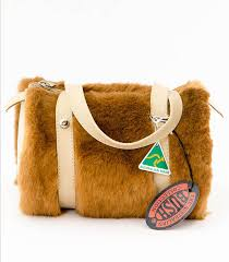ROUND SHAPE MEDIUM KANGAROO FUR BAG