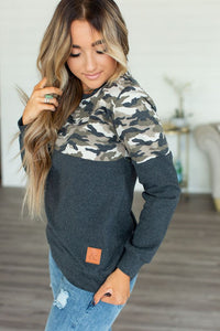 Ampersand & Ave Camo Pullover