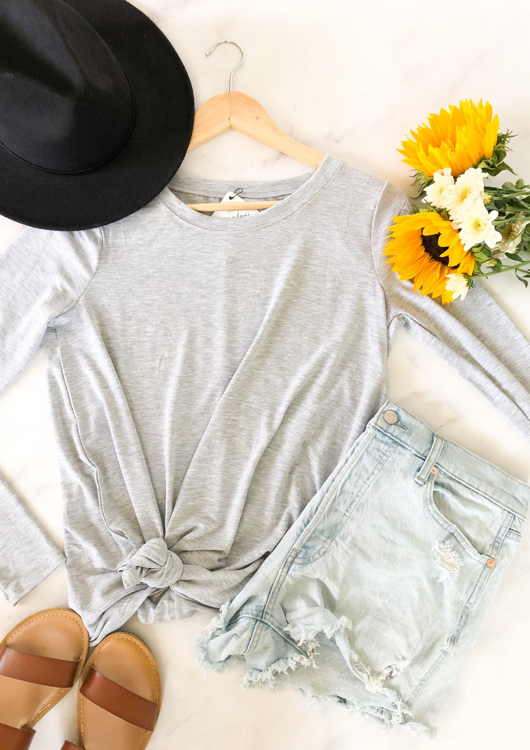 The Basic Round Hem Top in Heather Grey