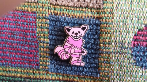 Dead Head Cheshire Cat Dancing Bear Alice in Wonderland Enamel Lapel Hat Pin