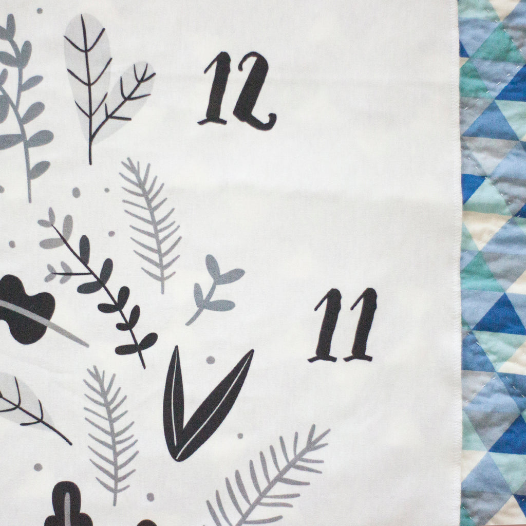 Monthly Milestone Blanket - Leaves - Monotone