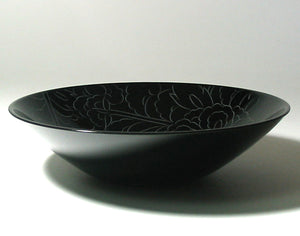 black urushi bowl with special curving