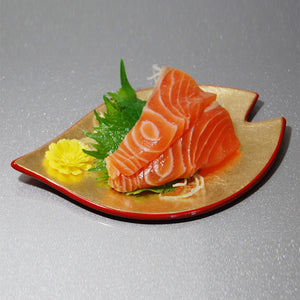 one of meimeisara with sashimi on top