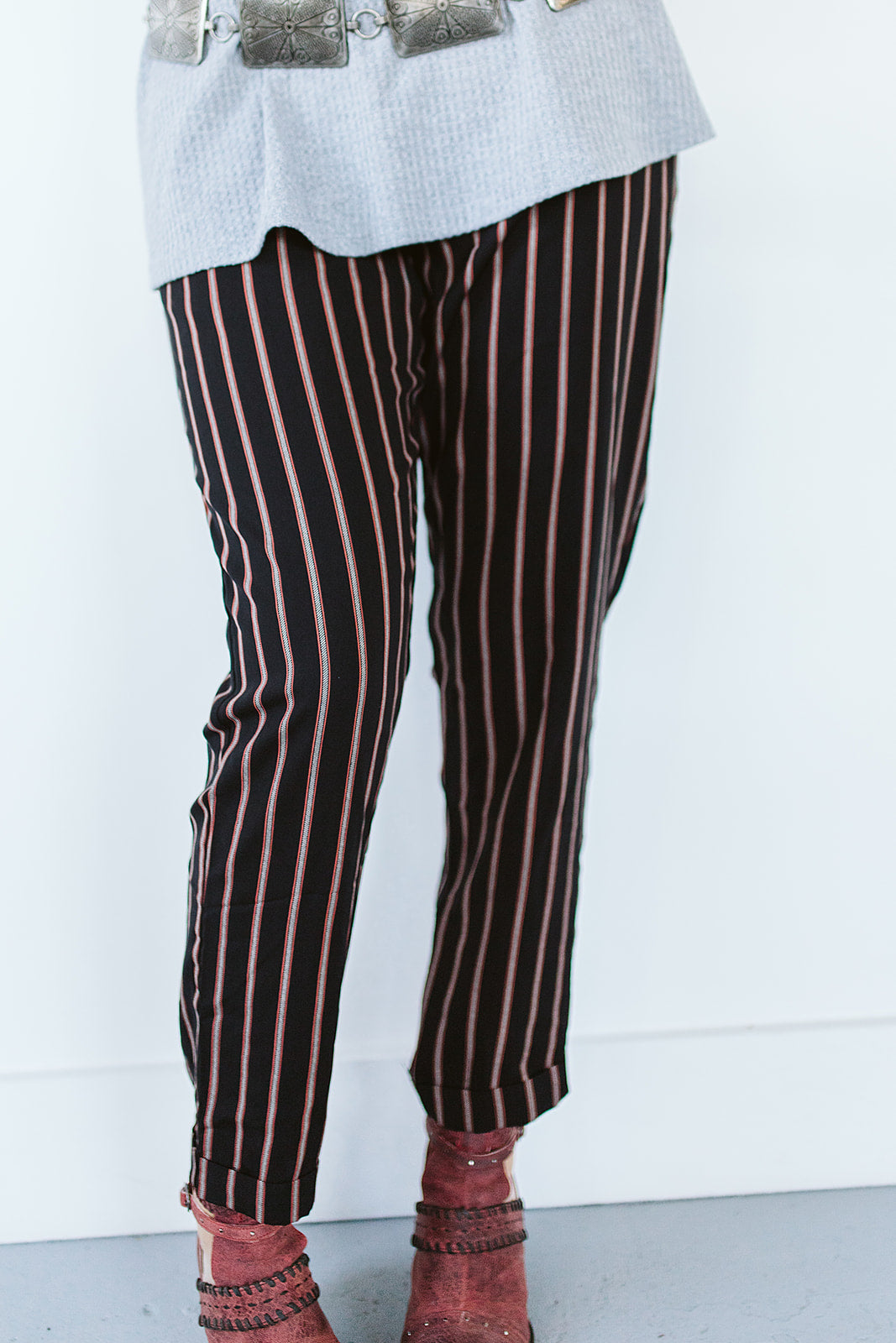 Hem Striped Pants - Black