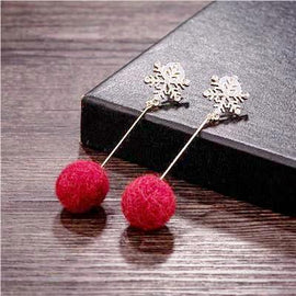 pom_pom_earrings_ball_tassel_snowflake_earrings_red