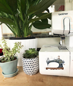 Vinyl Sticker - Vintage Sewing Machine
