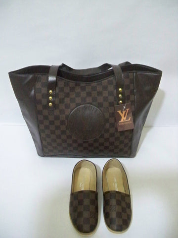bag with flat shoes