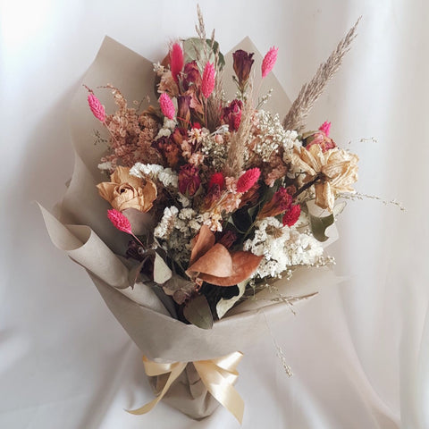 Dried blooms bouquet