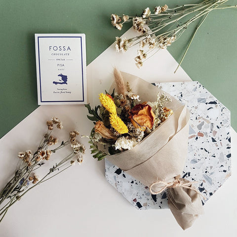 Dried Baby Bouquet with Fossa Chocolate