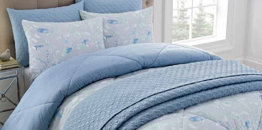 6 pc Bed Ensemble - Roll away Day Bed / Night Bedding