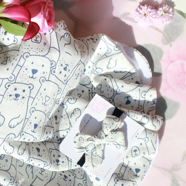Bear Hugs - Swaddle + Bow Set