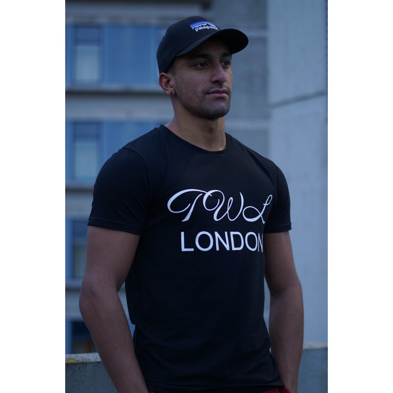 Super Nova Black T-shirt - The Wolfe London