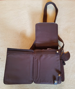 Tinnakeenly Utility Bag - Structured, Lined Leather Bag