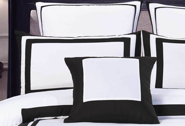3Pcs Queen Size Cover Set White Black Rectangle Quilt