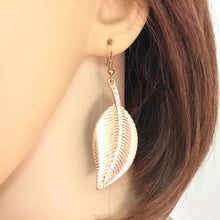 Vitorre Leaf Drop Earring - RHIZMALL.PK Online Shopping Store.